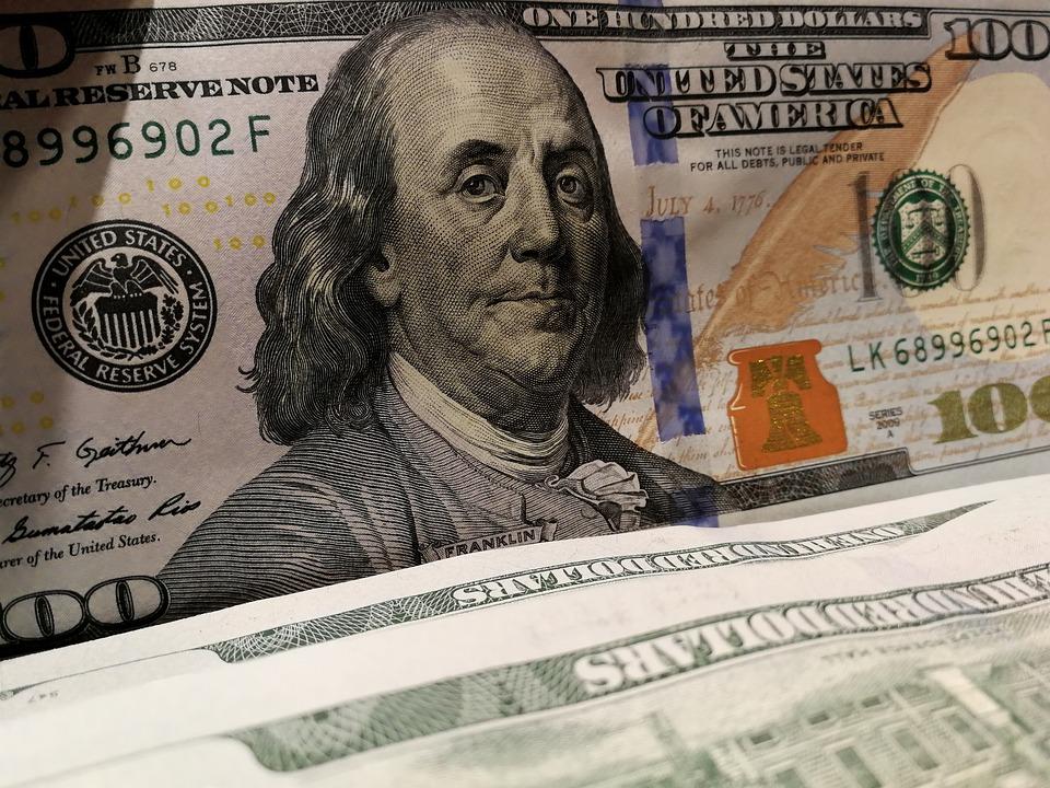 dolary americké