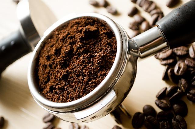 káva, zrnka, mletá