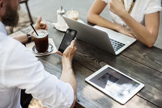 technologie v kavárně