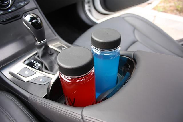 držák nápoje v autě