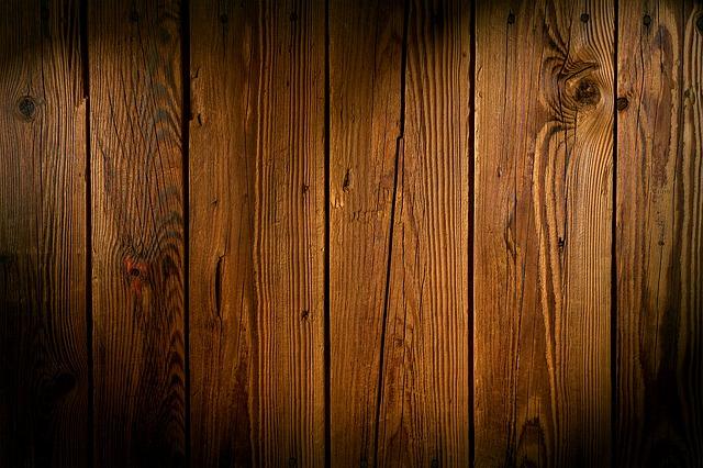 neošetřené dřevo.jpg